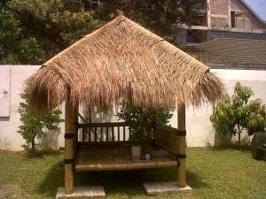 jasa pembuatan saung gazebo bambu