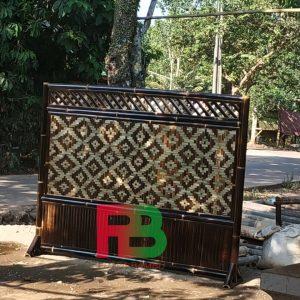 sekat bilik bambu